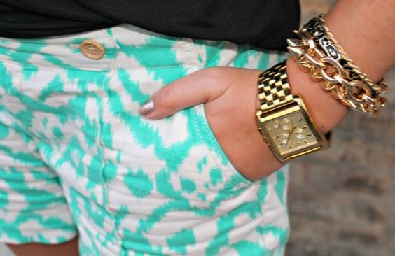 How fun are these shorts on @bowsandsequins with our animal print bangle!?
