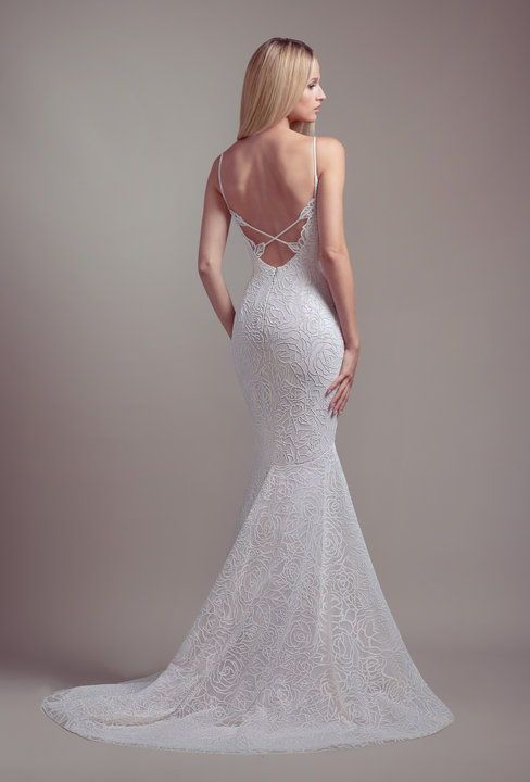 Finch By Blush By Hayley Paige Spring 2019 Collection Blush By Hayley Paige Wedd Wedding Dresses Kleinfeld Fit And Flare Wedding Dress Fitted Wedding Dress
