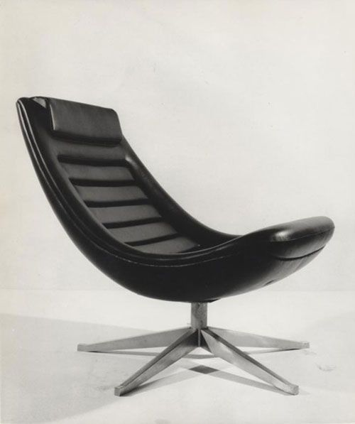 Chair designed for the Italian department store, Rinascente, by the renown automobile designer, Pio Manzu' inspired by his car design projects in the 1960s.