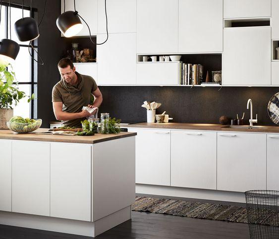 Modernt kök i vit ask - Solid | Ballingslöv