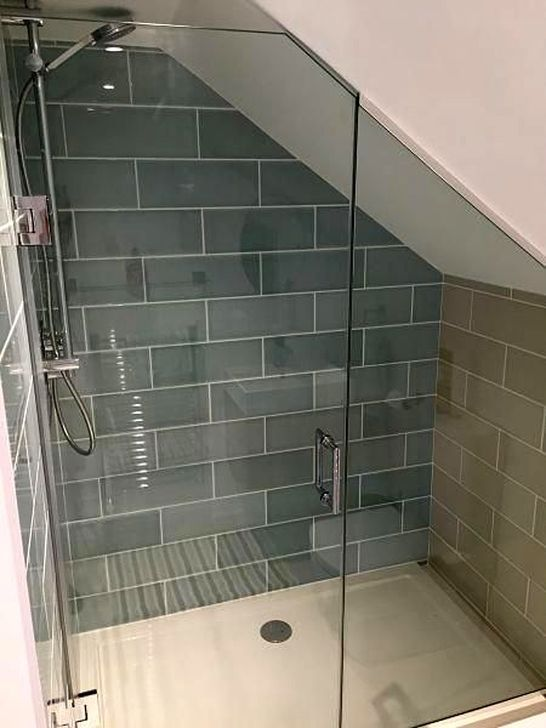 20 Simple And Small Attic Bathroom Design Ideas Small Attic