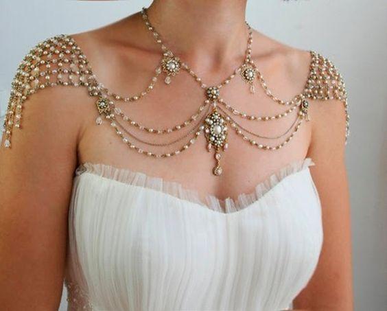 Adoro acessórios, que valorizam um lindo vestido