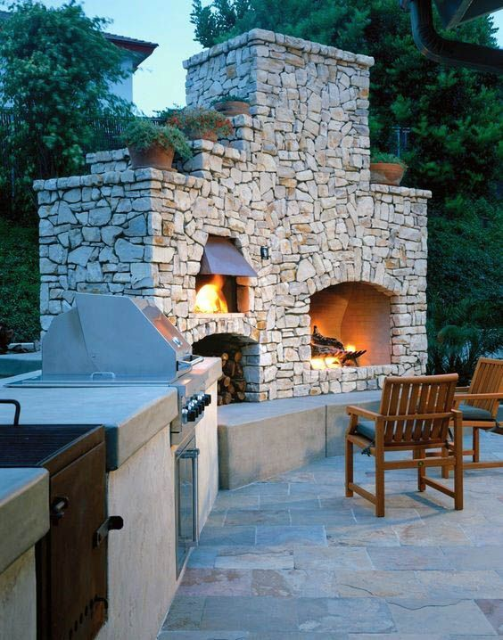 Traditional Stone Outdoor Fireplace With Brick Oven And Grill Outdoor Fireplace Designs Modern Outdoor Grills Modern Outdoor Kitchen