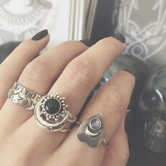 In love with these rings especially the Rainbow Moonstone Ouija Planchette Ring!✨ Shop our new arrivals at www.emptycasket.co.uk✨ #emptycasket #sterlingsilver #silver #rings #witchy #blackonyx #rainbowmoonstone #moon #planchette #ouijaplanchette #stars #witch #celestial #stackingrings