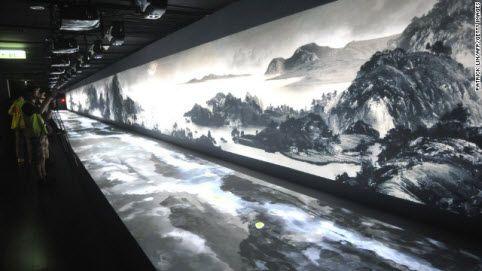 Các bức họa được trưng bày tại bảo tàng