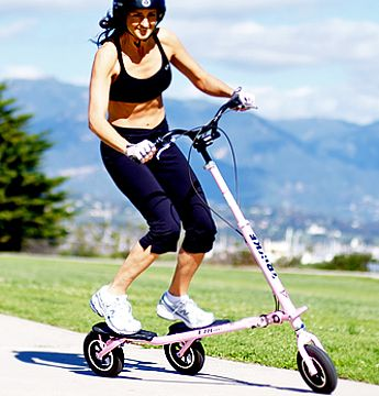 Trikke can help you burn up to 600 calories an hour! Shift your body weight to left and right, move back and forth to go, get a full-body workout!  Trikke Trainer (Hong Kong)