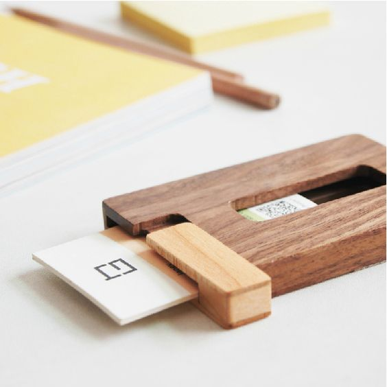 Creative solid wood cardcase business card holder portable for Wooden business card holders