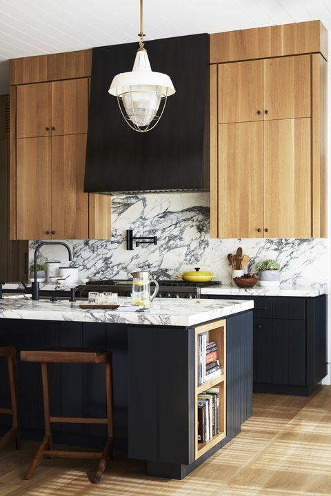 Amazing Kitchen Design With Touches Of Gold Decoholic Best Kitchen Designs Kitchen Lighting Design Elegant Kitchens