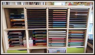 Träume aus Papier und Stempel: Regale und Papierablage gebaut