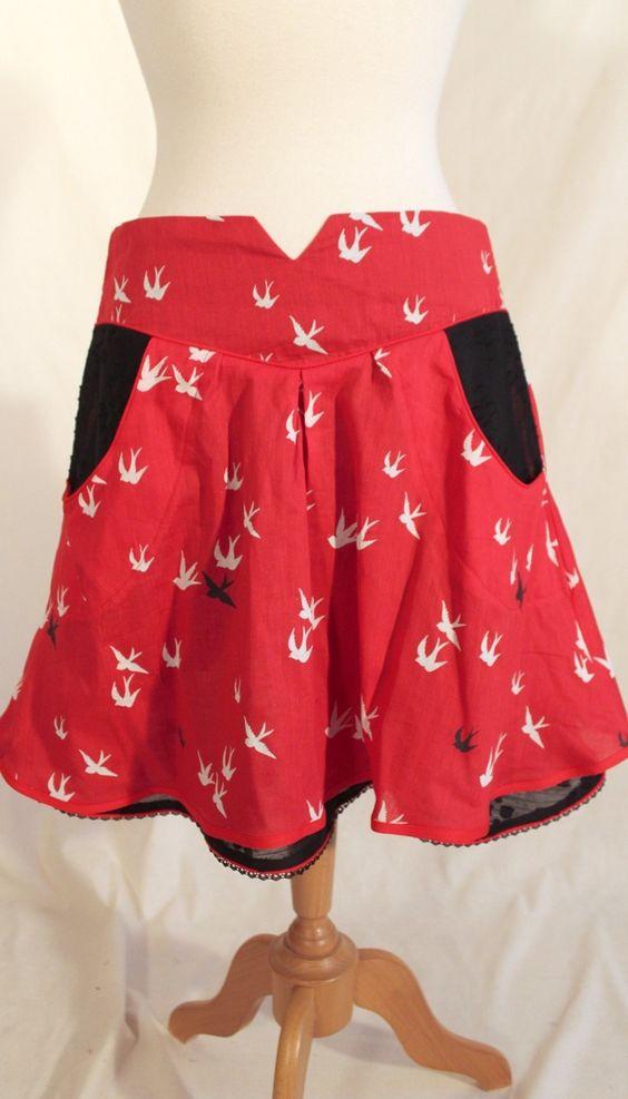 Jupe Louise • Rouge motifs oiseaux & jupon Noir