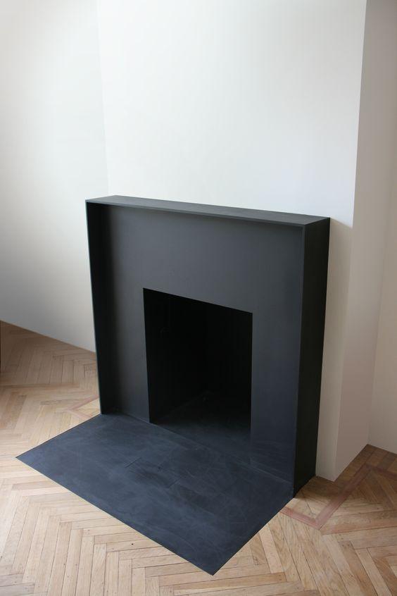 Cheminée minimaliste / Minimalistic fireplace