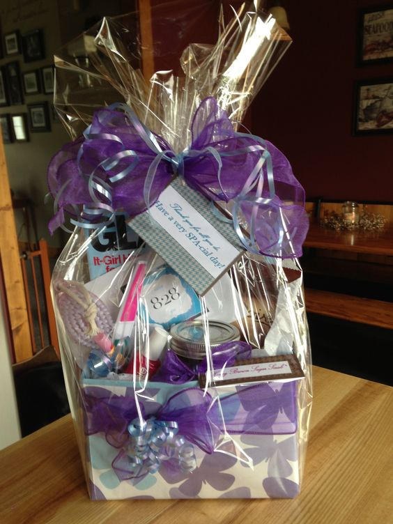Diy spa themed gift basket gift card to salon 828 for Homemade christmas gift baskets for couples