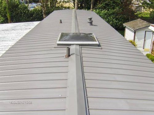 A Guide To Three Popular Mobile Home Roof Over Materials Mobile Home Roof Mobile Home Remodeling Mobile Homes
