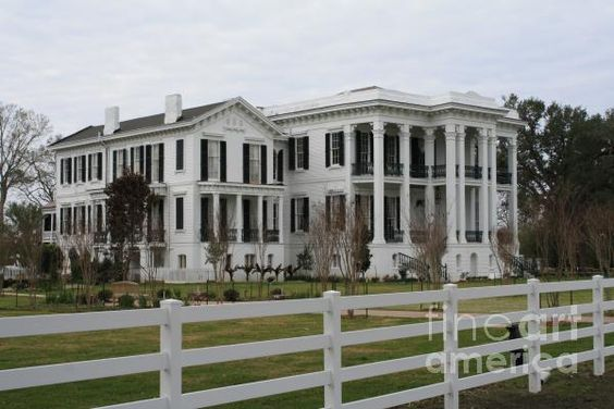 Home the o 39 jays and plantation homes on pinterest for Old southern plantation homes for sale