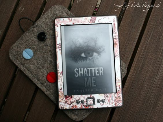 """Angel of Berlin: [reads...] """"Shatter me"""" & """"Unravel me"""" by Tahereh Mafi"""