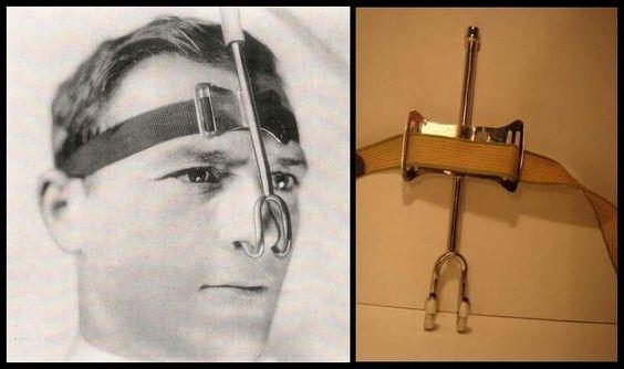 una de las primeras cánulas nasales para la administración de oxígeno (1920)