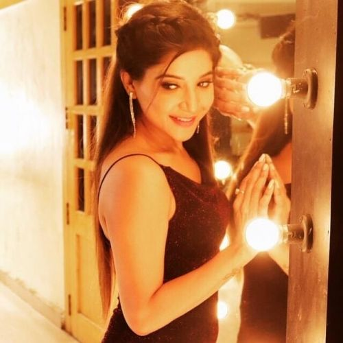 Sakshi Agarwal Wiki, Age, Biography, Family #biggbosstamil3 #biggbosstamil #biggbosstvshow #SakshiAgarwa… | Hd wallpapers for mobile, Mobile wallpaper, Boss tv show
