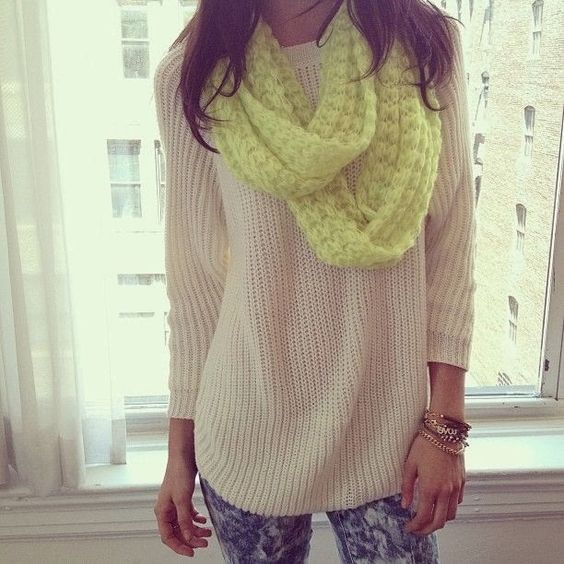 Adorable sweater with light yellow scarf and skinnies for fall
