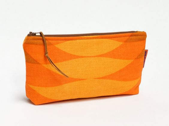 Vintage Fabric Cosmetic Bag - zippered pouch - pencil case - pinned by pin4etsy.com