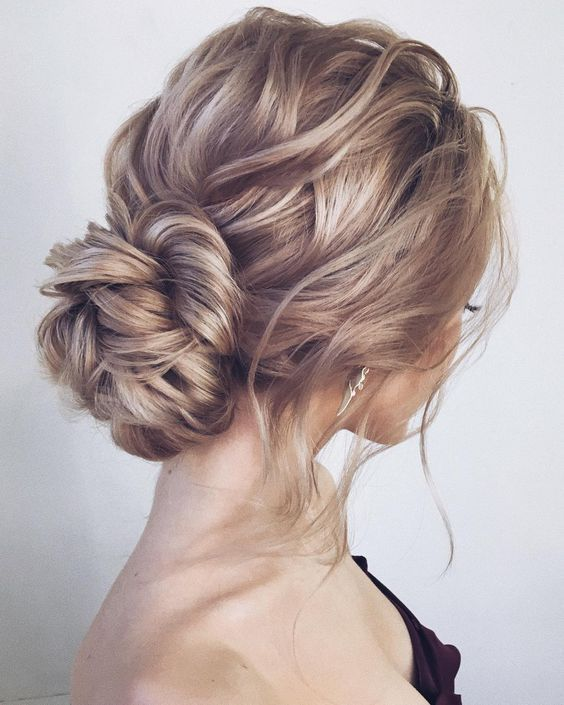 Top 20 Long Wedding Hairstyles And Updated For 2018 Hairstyle Hairstyles Long Top Updated Weddin Hair Styles Messy Wedding Hair Wedding Hair Inspiration