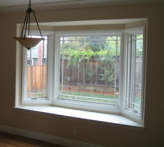 Bay windows bay window n othing invites the outdoors for Bay window interior