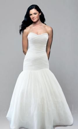 Modern Trousseau Kensley is a strapless sweetheart mermaid. It features a dramatic, criss-cross draped bodice in finely pleated tulle with a full, drop-waist skirt and chapel train. This gown came from a designer bridal boutique and is in excellent condition. Modern Trousseau Kensley is Ivory and a size 12.