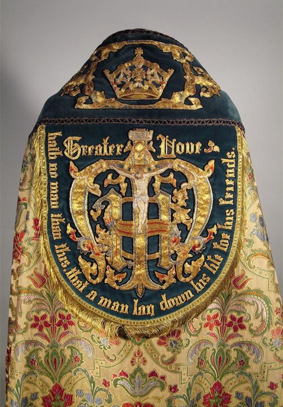 Oh Wow. This is an amazing amount of embroidery on a cope hood! Elizabeth Hoare : Watts and Co: