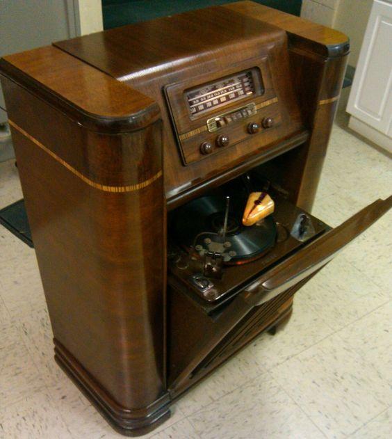 Philco Vintage Radio 44