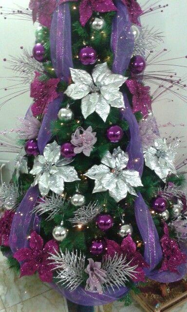 Rbol de navidad de color morado y plateado rbol de - Arbol de navidad colores ...