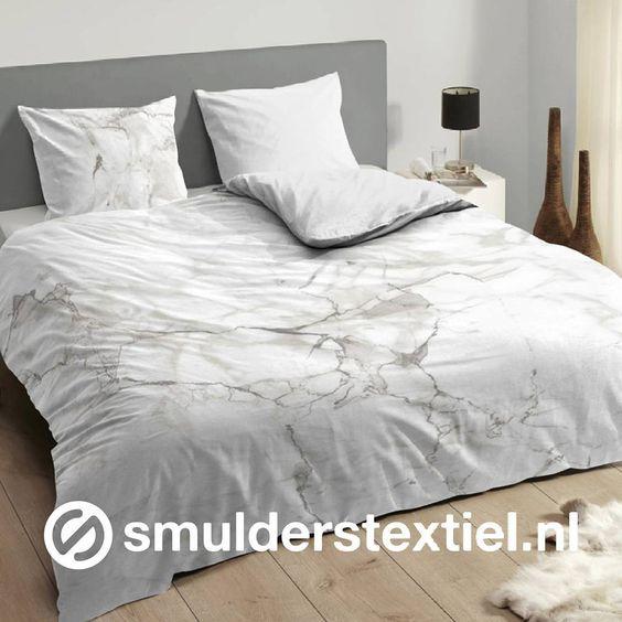Marmer look #descanso #wit #white #marmer #luxe #slaapkamer #dessin #grijstinten…