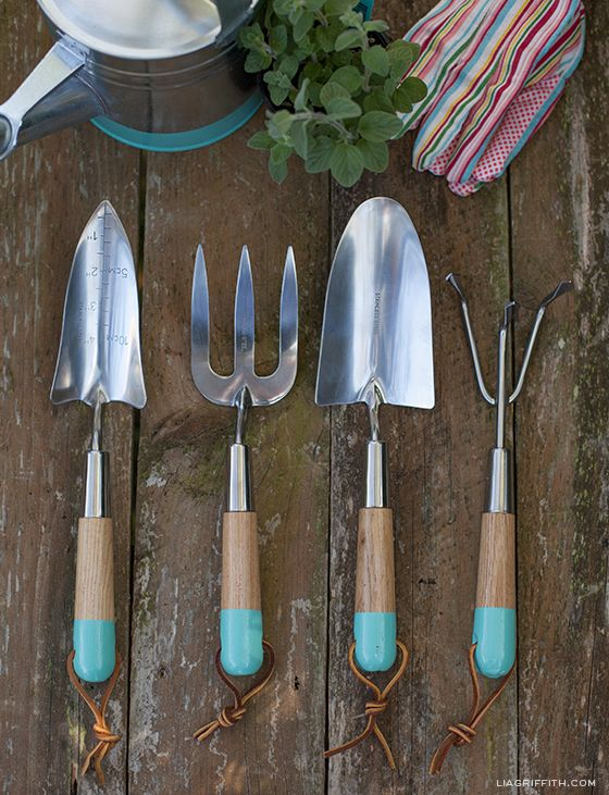 DIY Dipped Garden Tools with Matching Watering Can and Tool Box: