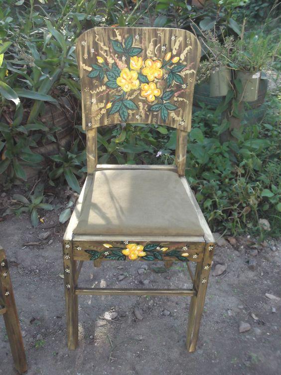 cadeira pintada por Bianca Branco em Ateliê de Artes 587 Santa Teresa rj