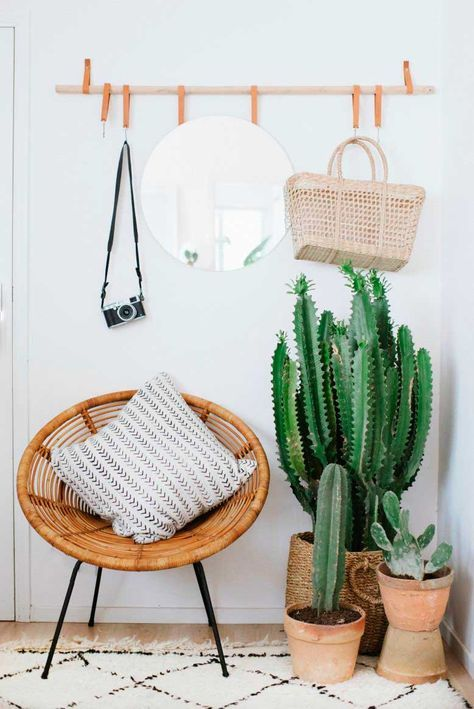 This is one of the best college apartment decorating ideas!