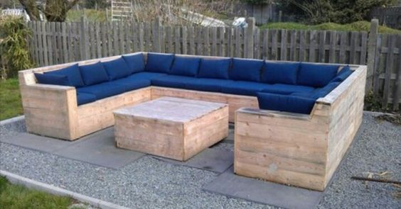 DIY Pallet couch: