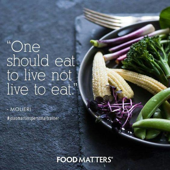 Devemos comer para viver, e não viver para comer. #joaomartinspersonaltrainer #personaltrainernoalgarve #wellnesscoach #comerparaviver