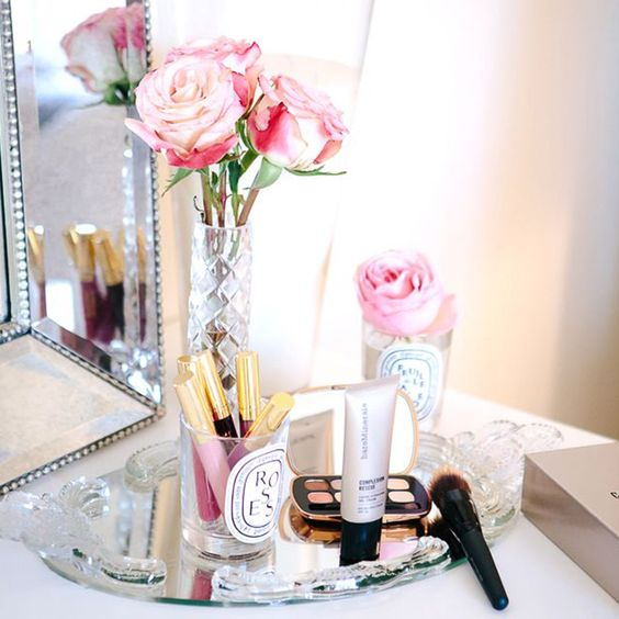 18 Ways To Organize Your Vanity: