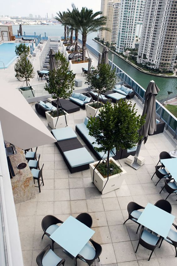 ffbc1baab85ca5c305e82db7b510b182 - The 10 Trendiest Places To Grab A Drink In Miami