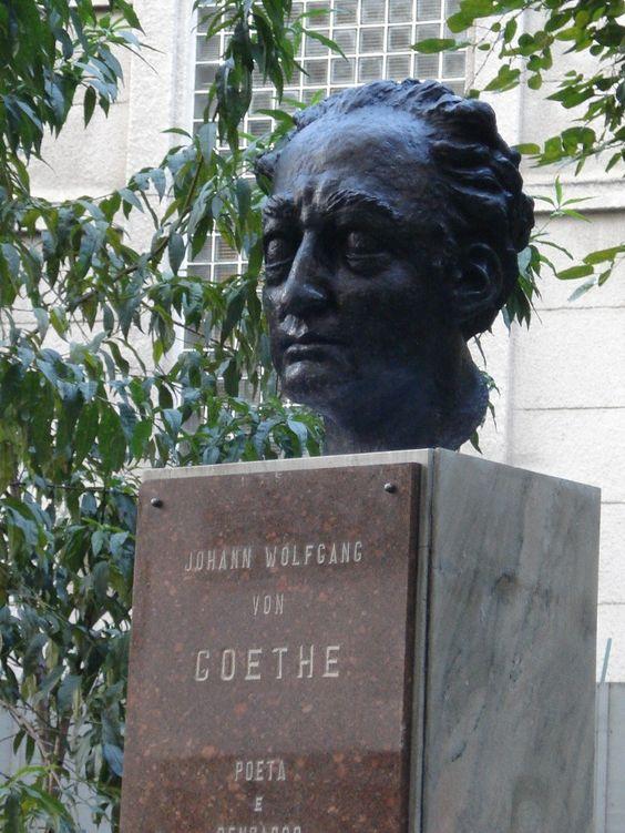 Centro de São Paulo: Goethe, escultura de Tao Siguida