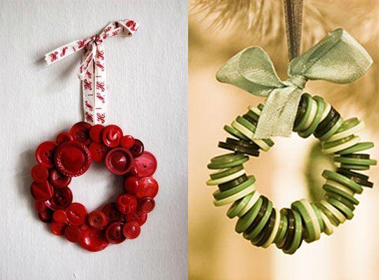 Button wreaths: Christmas Crafts, Buttons Buttons, Button Crafts, Crafts Buttons, 11 13 08 Buttons2 Jpg, 12 08 2008Buttons Jpg, Christmas Ornament