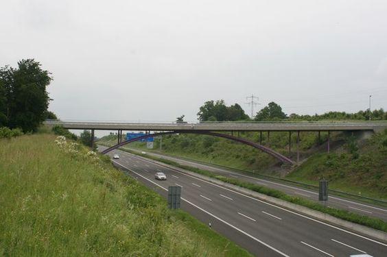 Strassenbrücke Alter Göbricher Weg  Bogenbrücke, Bogen unter Brücke, Stahlverbund