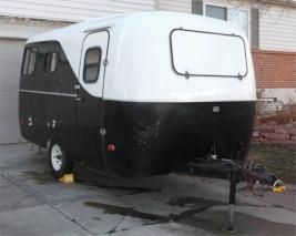 Black 'n' white wave Scamp front.