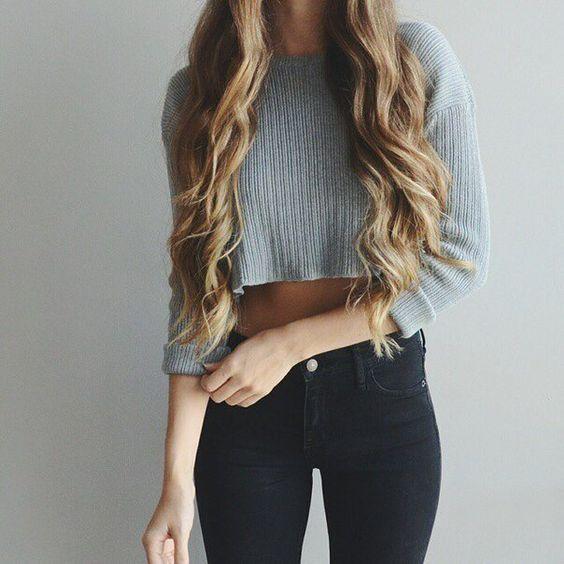 Jeans+crop top Нравится сочетание цветов и простые линии