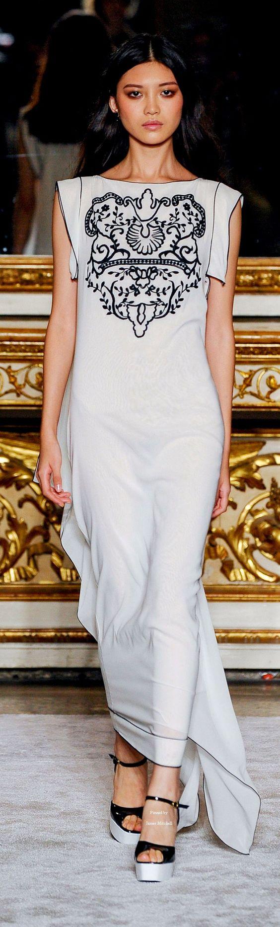 #Farbbberatung #Stilberatung #Farbenreich mit www.farben-reich.com Roccobarocco Collection Spring 2016 Ready-to-Wear