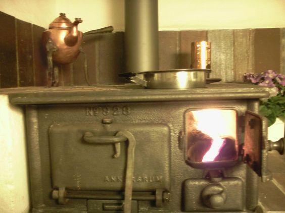 Ankarsrum 928 vedspis / wood range with fire.