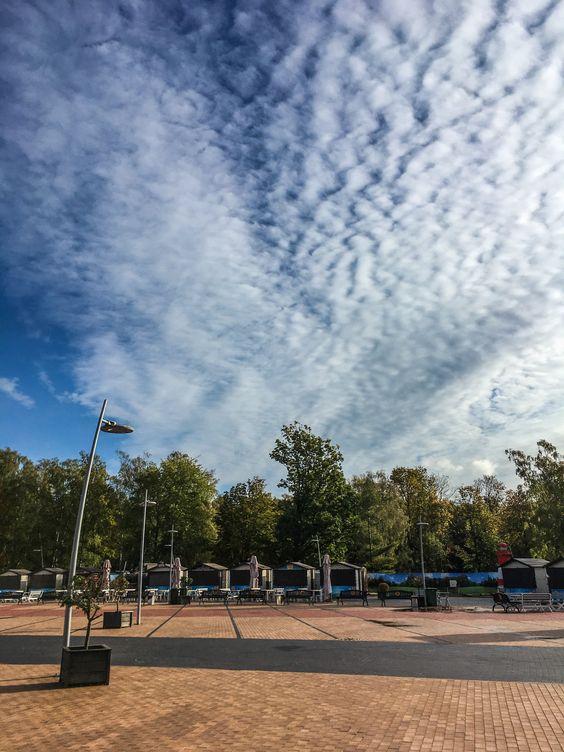 Площадка перед Янтарь-холлом. Фото Жени Шведы