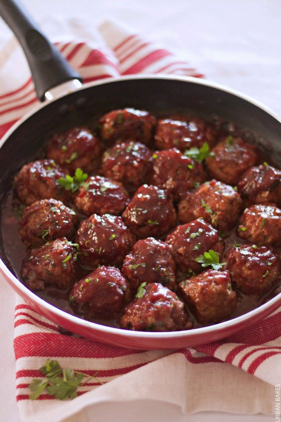 TURKEY MEATBALLS WITH CRANBERRY SAUCE using @oceanspray | URBAN BAKES #tbthanksgiving #ad As a Thanksgiving extra or for any time of the year, Turkey Meatballs with Cranberry Sauce is a savory dish with a light tang of cranberry sweetness. As of earlier this month, I have a new found love and appreciation of cranberries!