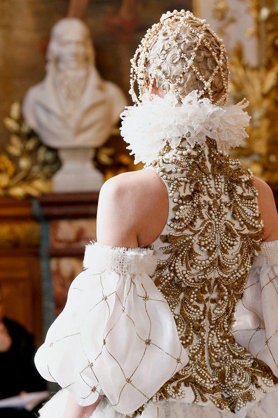 Alexander McQueen Queda 2013 RTW - Review - Semana de Moda - Runway, desfiles e coleções - Vogue - Vogue