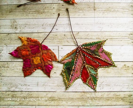 Hello! Kasia Krzymińska here. I think fall is the most inspiring season and I'm always waiting for the whole year for all of these beautful leaves, foggy mornings and long evenings. And what you like the most about autumn