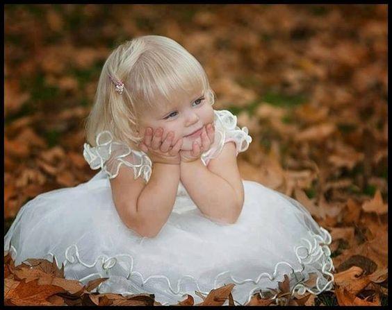 Eu queria ser um anjo só pra te guardar...  Ter a bondade na face e a sabedoria no olhar...♥♥                                       _________Marta Souza