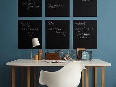 tableau ardoise bureau sur mur couleur bleu gris sous l ardoise la tendance pinterest. Black Bedroom Furniture Sets. Home Design Ideas